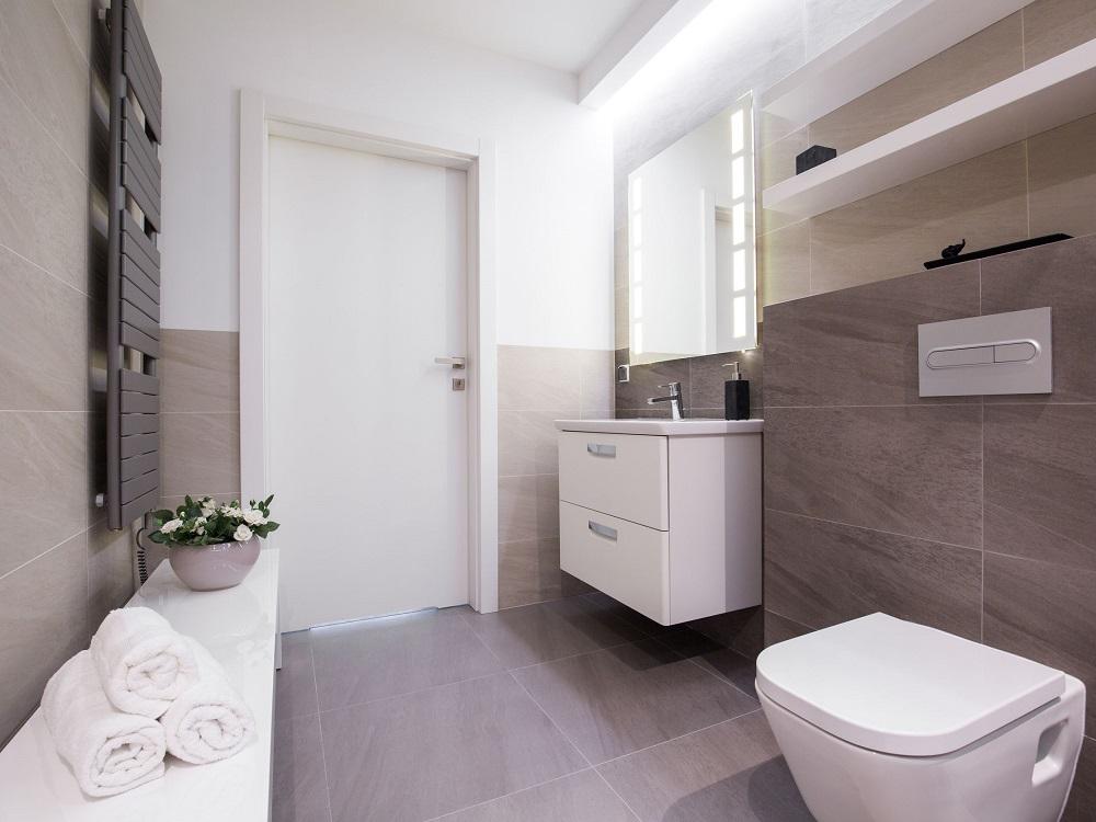 דלתות פולימר לאמבטיה